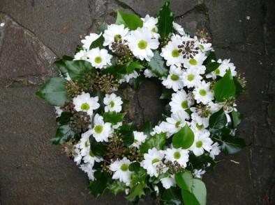 Woodland wreath (ref. 12)