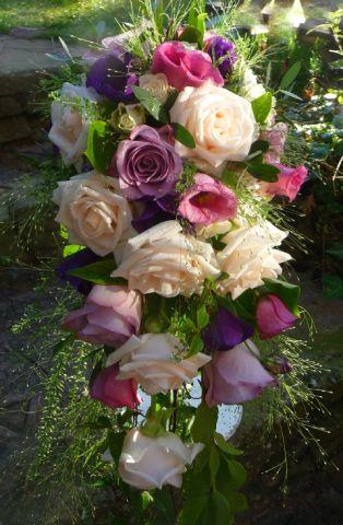 Shower style wedding bouquet