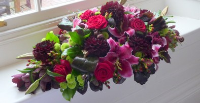 Black dahlias and hot pink scented oriental lilies (ref. 19)
