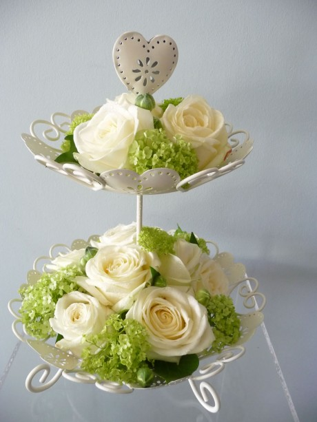 wedding cake stand hire brighton vintage style cake stand brighton sussex based florist 25617